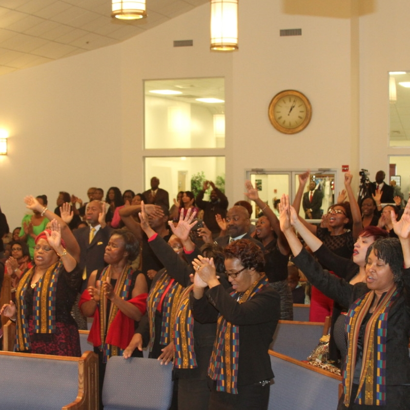New Life SDA Church   Come PRAISE the Lord with US!
